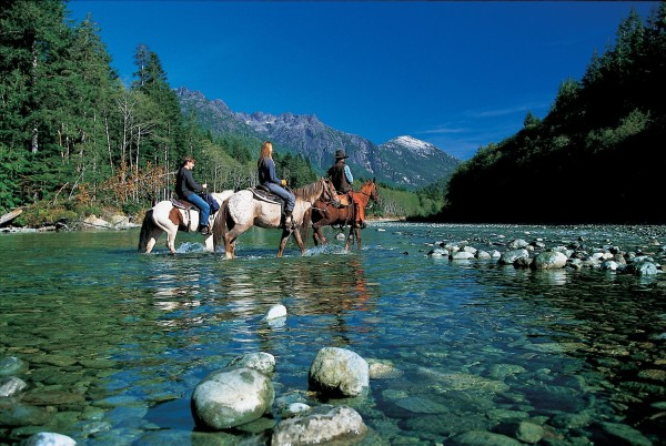 11-Horseback-Riding-Signature-Shot-Clayoquot-photos-2005-048-e1415205401750