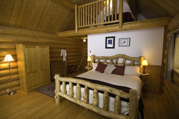 Grizzly-Cabin-Interior-SMALL
