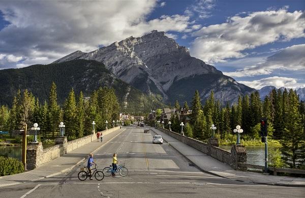 p120001_001rr_Destination-Canada_klein